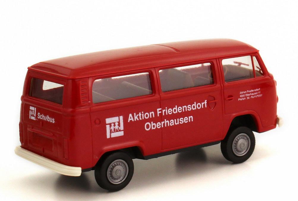 1 87 vw t2 bus aktion friedensdorf oberhausen rot red. Black Bedroom Furniture Sets. Home Design Ideas