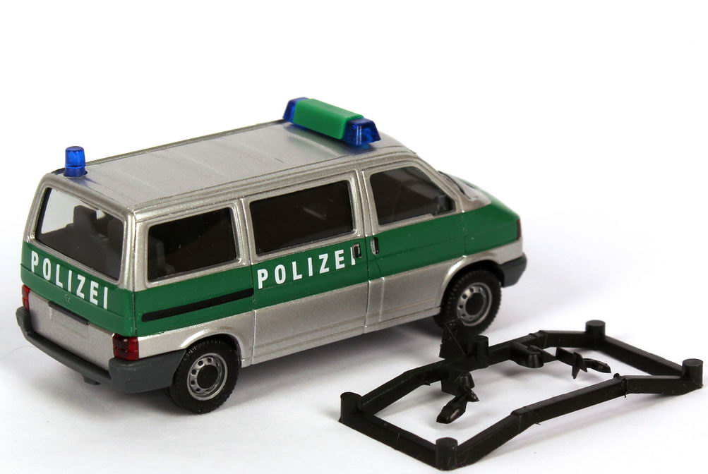 vw t4 bus polizei niedersachsen silbermet gr n herpa 045353 bild 2. Black Bedroom Furniture Sets. Home Design Ideas