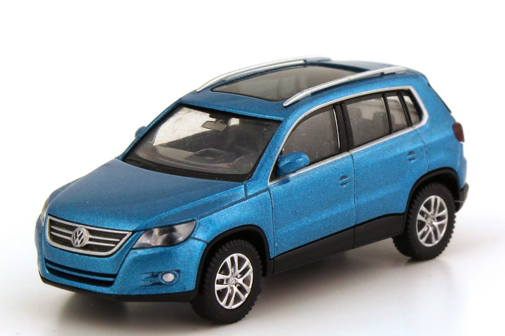 1 87 vw tiguan mit panorama schiebedach catalina blue met. Black Bedroom Furniture Sets. Home Design Ideas