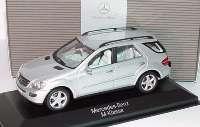 Mercedes-Benz M-Klasse (W164) iridiumsilber-met. Werbemodell Minichamps B66962211