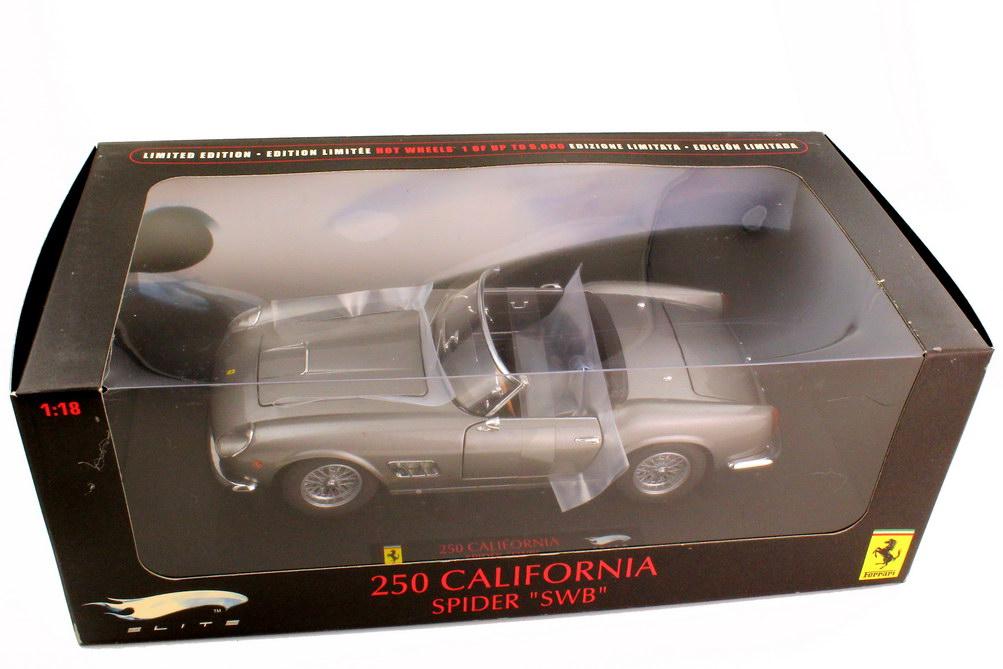 Foto 1:18 Ferrari 250 GT California Spyder SWB grau-met. - Elite P9896