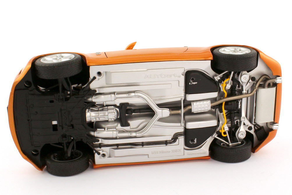 Foto 1:18 Nissan Fairlady Z 350Z Roadster Z33 RHD sunset-orange-met. - AUTOart 77377