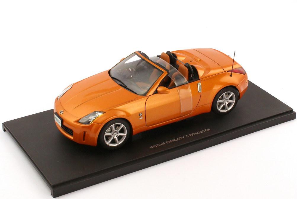 Foto 1:18 Nissan Fairlady Z 350Z Roadster Z33 RHD sunset-orange-met. - AUTOart 77377