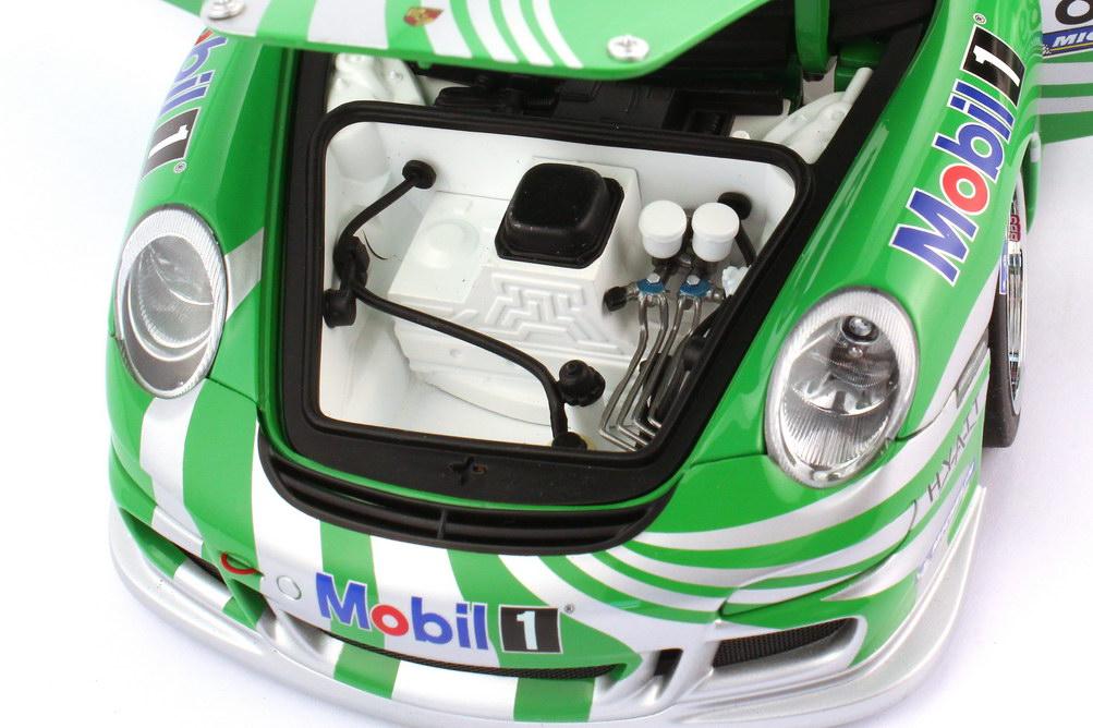 Foto 1:18 Porsche 911 GT3 Cup 997 Supercup 2006 Porsche Engineering Nr.89 VIP-Car - AUTOart 80682