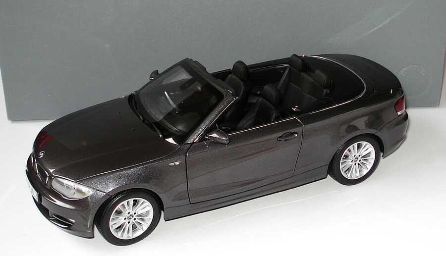 Foto 1:18 BMW 1er Cabrio (E88) sparklinggraphite-met. Werbemodell Kyosho 80430427022