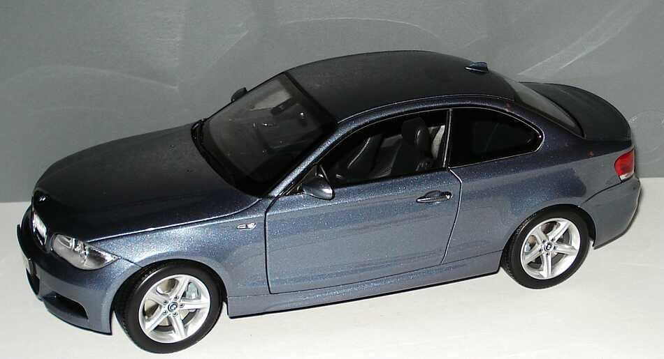Foto 1:18 BMW 1er Coupé (E82) kristallblau-met. Werbemodell Kyosho 80430427065