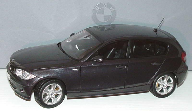 Foto 1:18 BMW 1er (E87) sparkling-graphite-met. Werbemodell Kyosho 80430308603