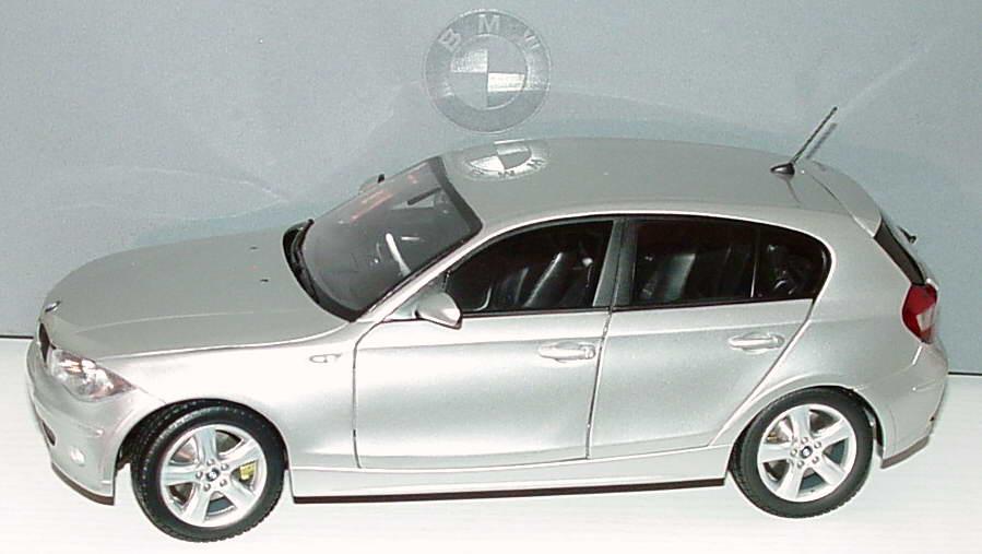 Foto 1:18 BMW 1er (E87) titansilber-met. Werbemodell Kyosho 80430308602