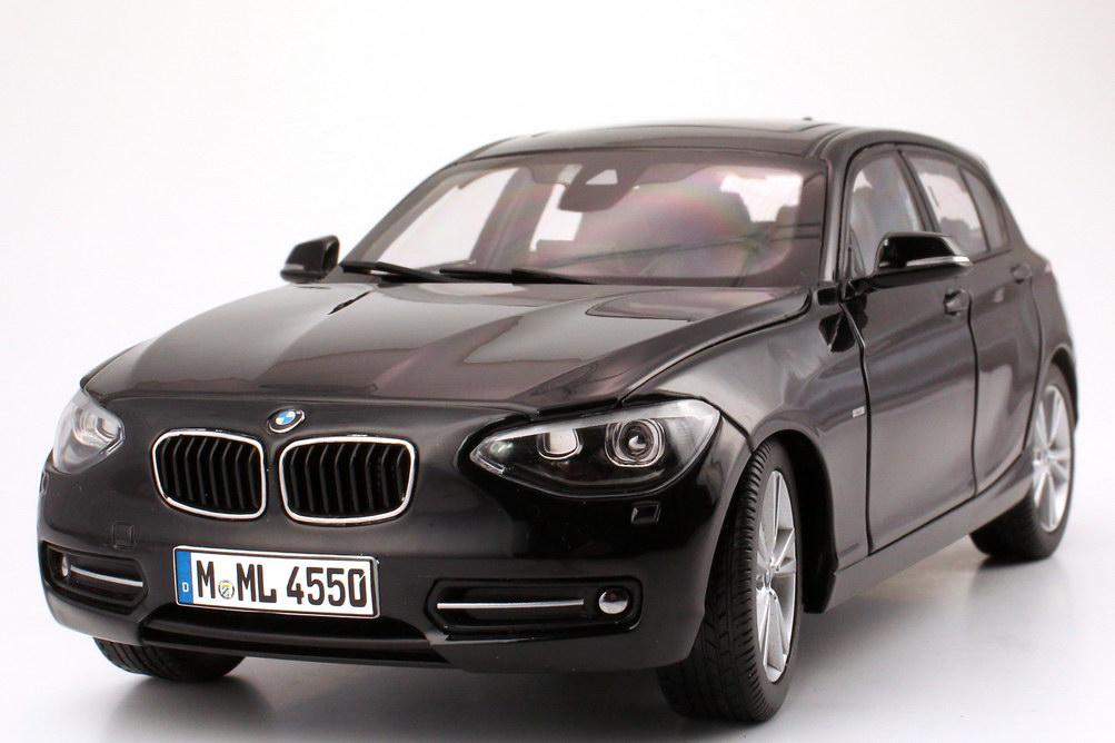 Foto 1:18 BMW 1er (F20) 5türig saphir-schwarz-met. Werbemodell BMW-Group 80432210020