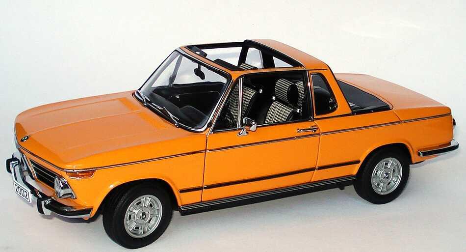 Foto 1:18 BMW 2002 Baur Cabrio orange Werbemodell AUTOart 80430300713