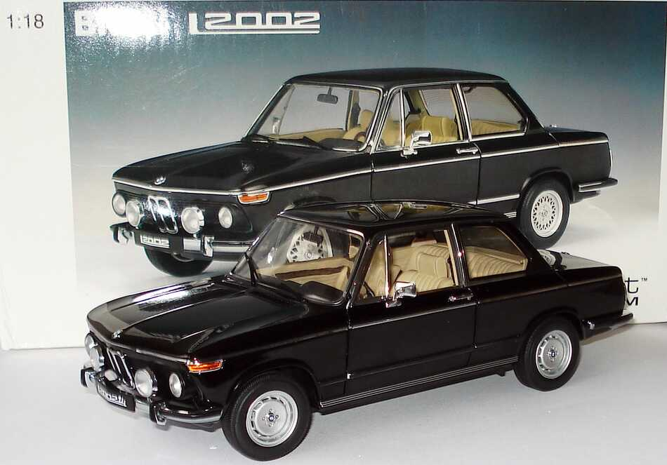 Foto 1:18 BMW 2002 L schwarz AUTOart 70503