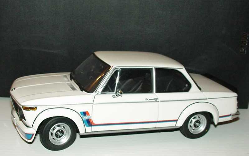 Foto 1:18 BMW 2002 turbo weiß, BMW-M-Design Werbemodell Kyosho 80430026610