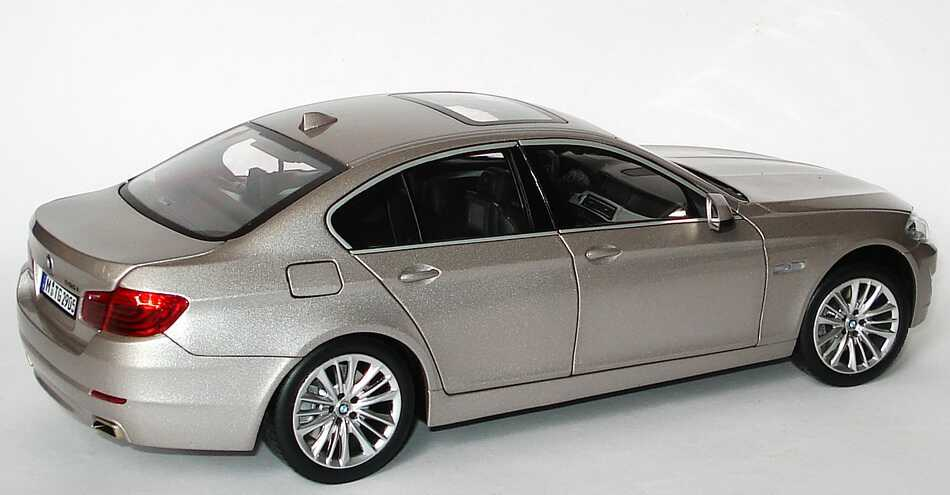 M And M Auto >> BMW 5er 550i (F10) kaschmirsilber-met. Werbemodell Norev ...