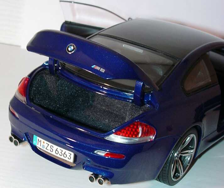 Foto 1:18 BMW M6 Coupé (E63) interlagosblue-met. Werbemodell Kyosho 80430413351