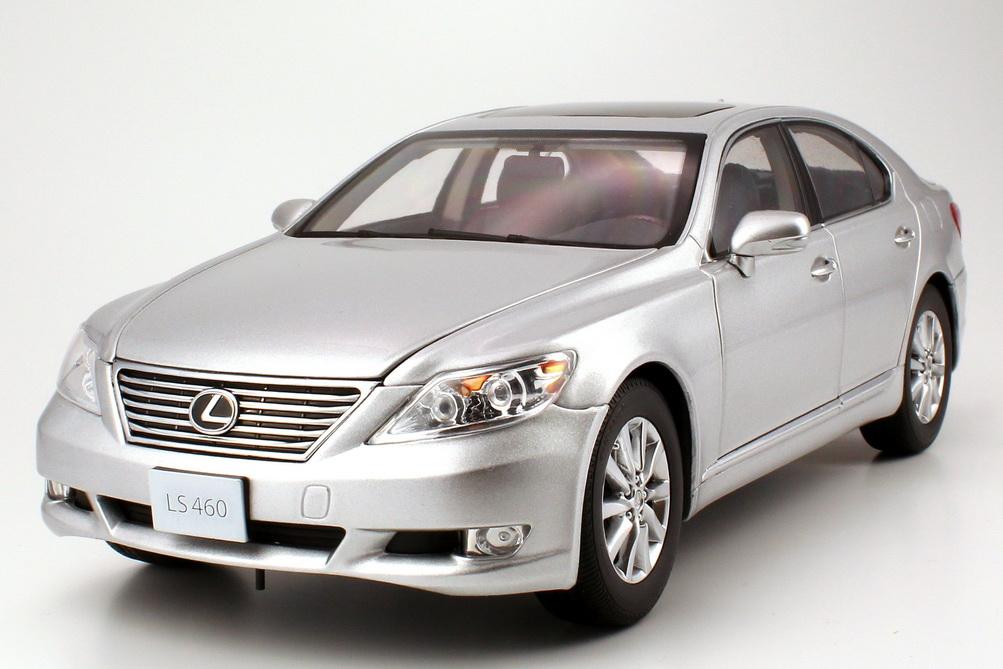 Foto 1:18 Lexus LS 460 Facelift (2010) premium-silber-met. Norev 118109