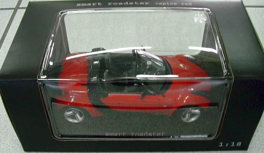 Foto 1:18 MCC Smart Roadster (Typ 452) spice-red Werbemodell Maisto 0014175V001C37Q00