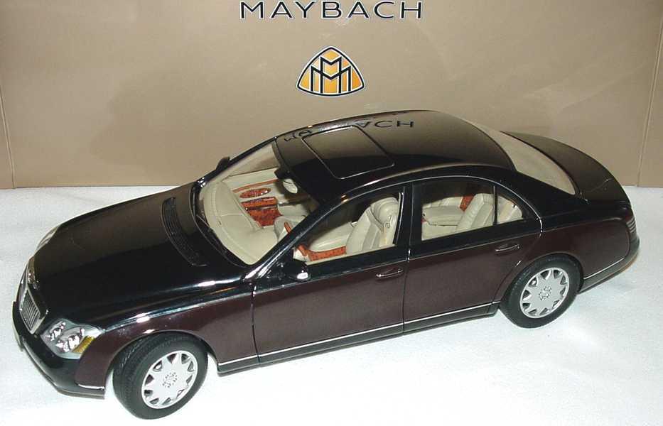 Foto 1:18 Maybach 57 Schwarzmet./dunkelrot-met. Werbemodell AUTOart B66962158