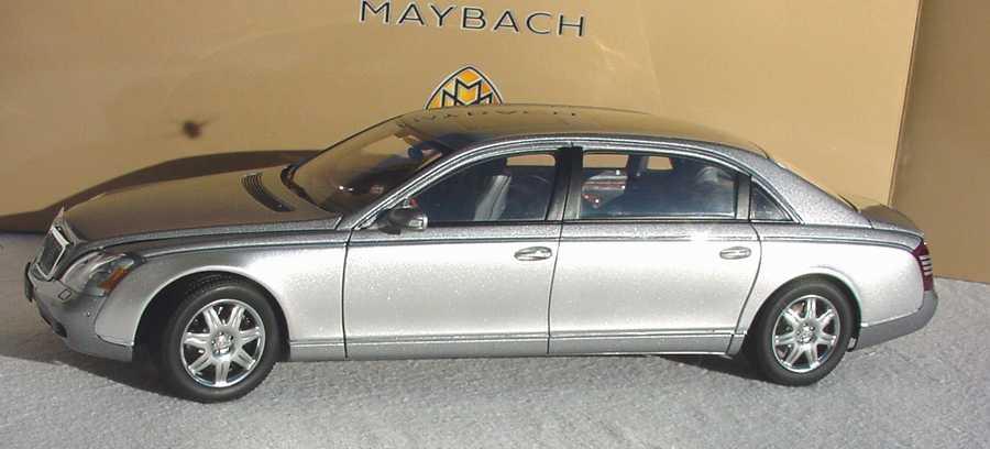 Foto 1:18 Maybach 62 himalayasgrey/bright Werbemodell AUTOart B66962178
