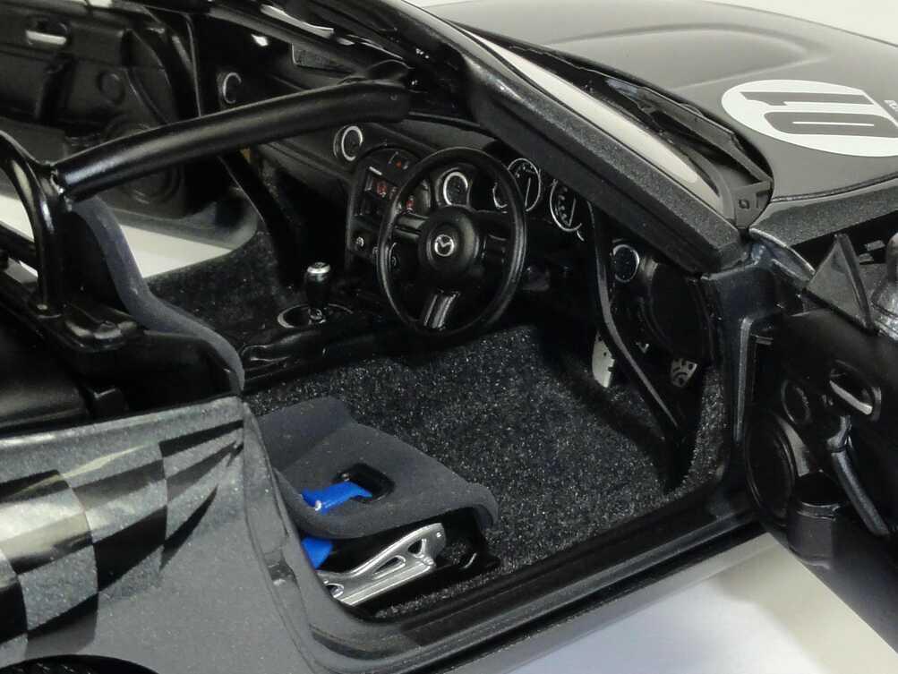 Foto 1:18 Mazda MX-5 / Roadster NR-A Mazdaspeed galaxy-grau-met. Nr.01 (RHD) AUTOart 80643