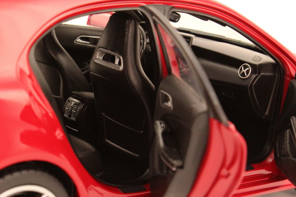 Foto 1:18 Mercedes-Benz A-Klasse 2012 (W176) jupiter-rot Werbemodell Norev B66960124