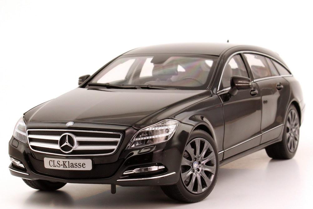 Foto 1:18 Mercedes-Benz CLS Shooting Brake (X218) obsidian-schwarz-met. Werbemodell Norev B66960115