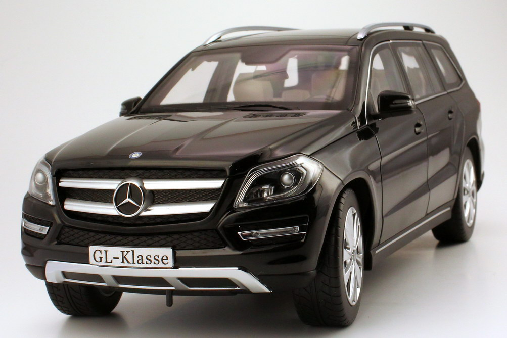 Foto 1:18 Mercedes-Benz GL-Klasse 2012 (X166) obsidian-schwarz-met. Werbemodell Norev B66960098