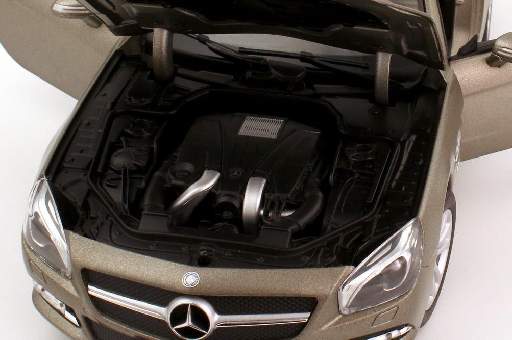 Foto 1:18 Mercedes-Benz SL-Klasse SL 500 2012 (R231) cerussitgrau-met. Shape Norev 183590