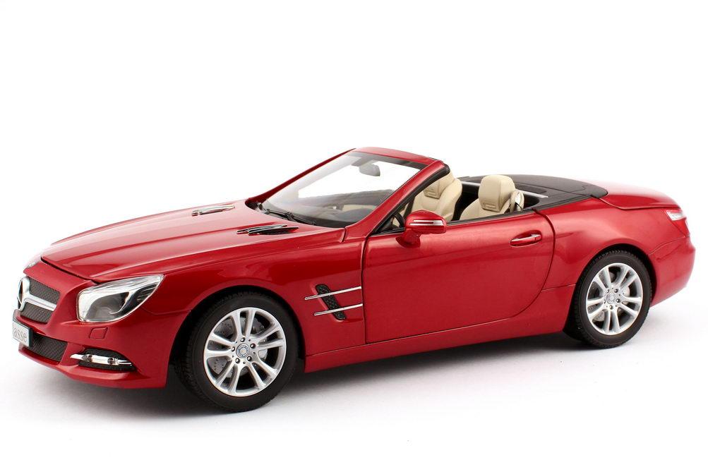 Foto 1:18 Mercedes-Benz SL-Klasse 2012 (R231) saphir-rot-met. Werbemodell Norev B66960108