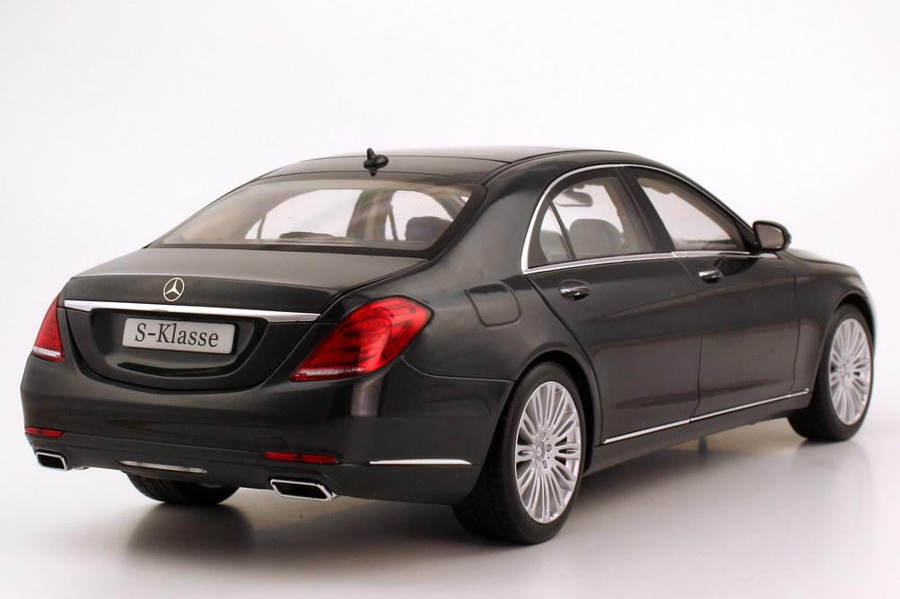 Foto 1:18 Mercedes-Benz S-Klasse 2013 Langversion (V222) blauanthrazit-met. Werbemodell Norev B66960157