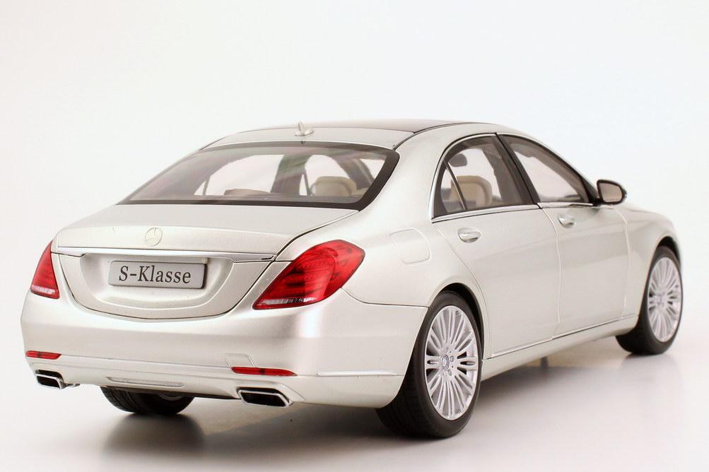Foto 1:18 Mercedes-Benz S-Klasse 2013 Langversion (V222) iridium-silber-met. Werbemodell Norev B66960158