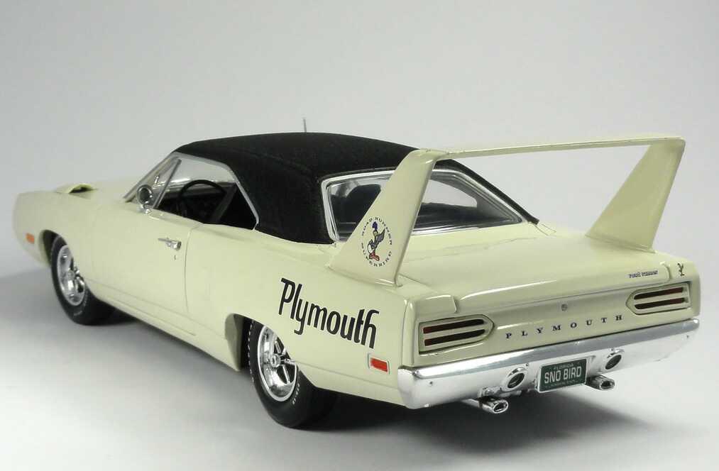 Foto 1:18 Plymouth Road Runner Superbird 1970 altweiß Ertl 39398