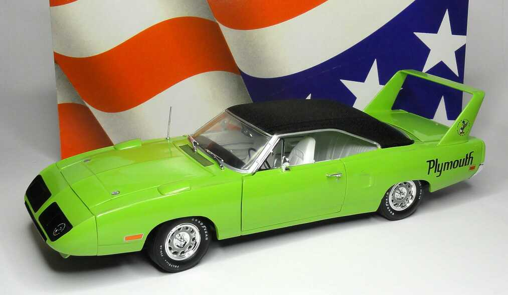 Foto 1:18 Plymouth Road Runner Superbird 1970 grün Ertl 39408