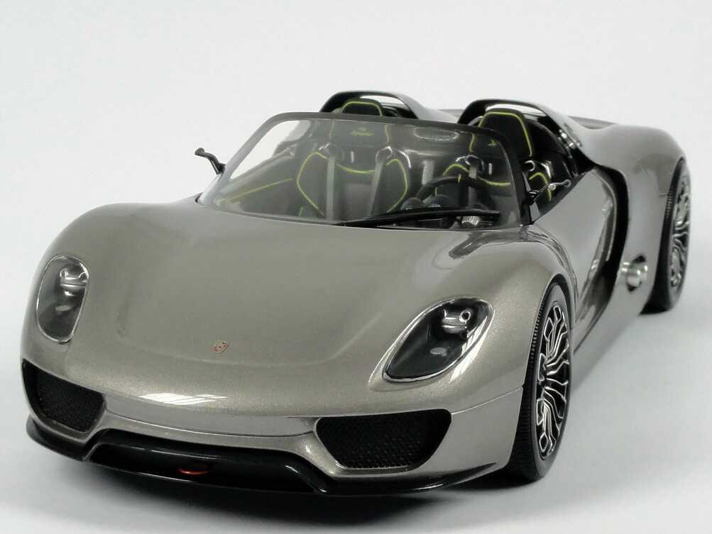 Foto 1:18 Porsche 918 Spyder liquid-met. Werbemodell Minichamps WAP0211910B