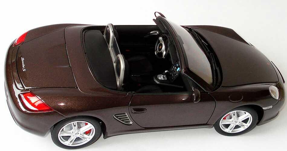 Foto 1:18 Porsche Boxster S (987, Modell 2009) macadamia-met. Werbemodell Norev WAP02100519