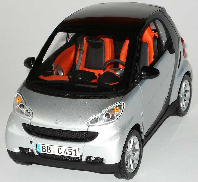 Foto 1:18 Smart Fortwo II Coupé silber-met. Werbemodell Minichamps Q0022528V001C75Q00
