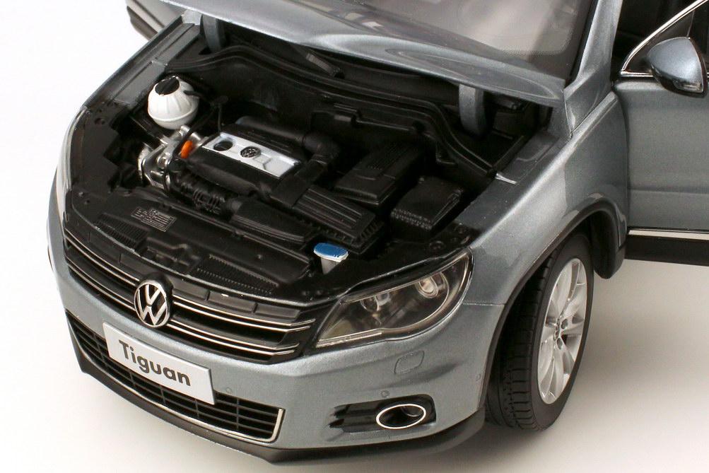 Foto 1:18 VW (Shanghai Volkswagen) Tiguan 2009 grau-met. Paudi 2227GY