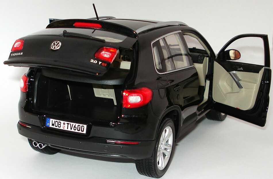 Foto 1:18 VW Tiguan deepblackperleffekt Werbemodell Norev 5N0099302C9X