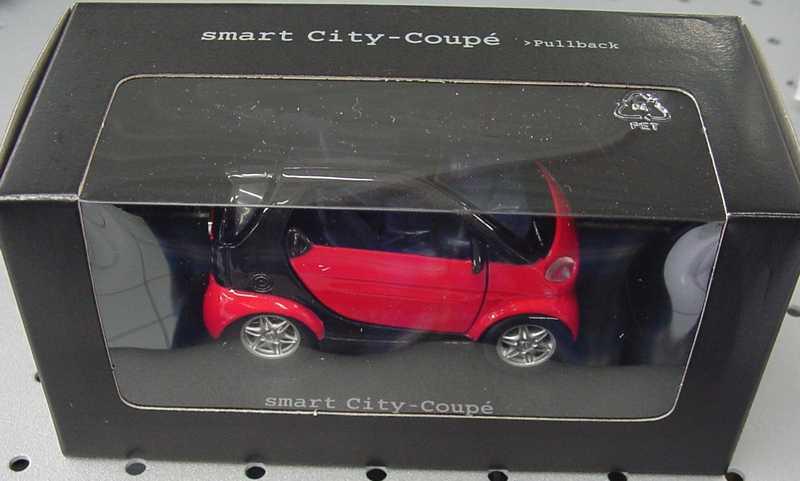 Foto 1:33 Pullback MCC Smart City-Coupé phat-red/schwarz Werbemodell Maisto C0006102V001000000