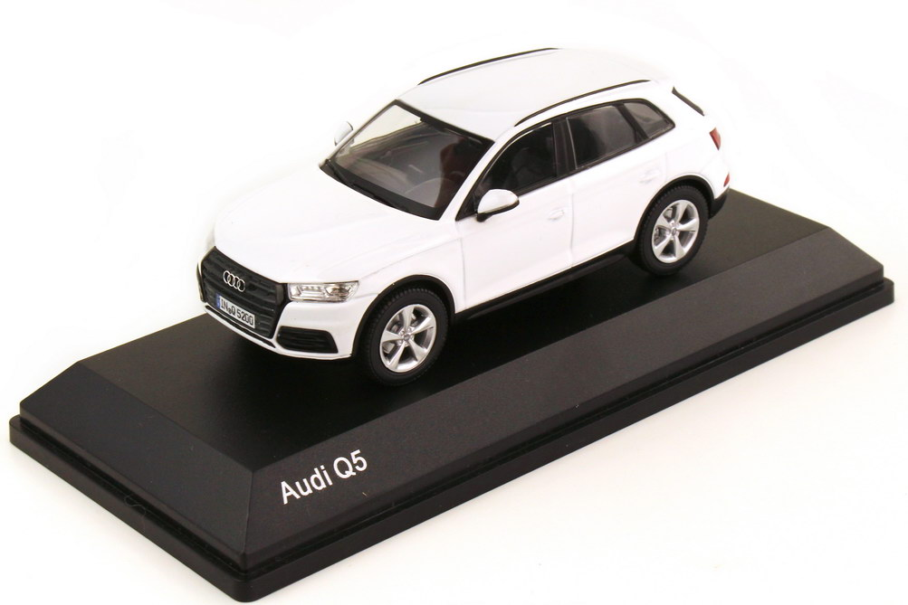 Foto 1:43 Audi Q5 2017 Typ FY ibisweiß - Werbemodell - iScale 5011605631