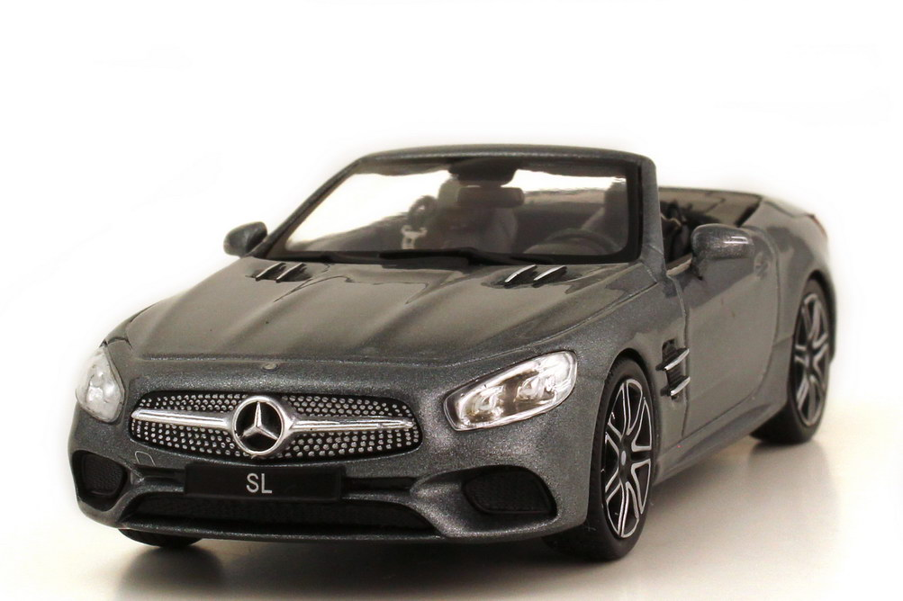 Foto 1:43 Mercedes-Benz SL-Klasse 2017 R231 MOPF selenitgrau-met. - Werbemodell - Motormax B66960532