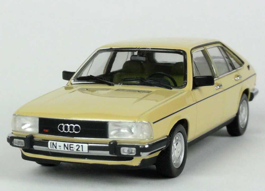 Foto 1:43 Audi 100 Avant (C2) dakotabeige Werbemodell Minichamps 5030700403