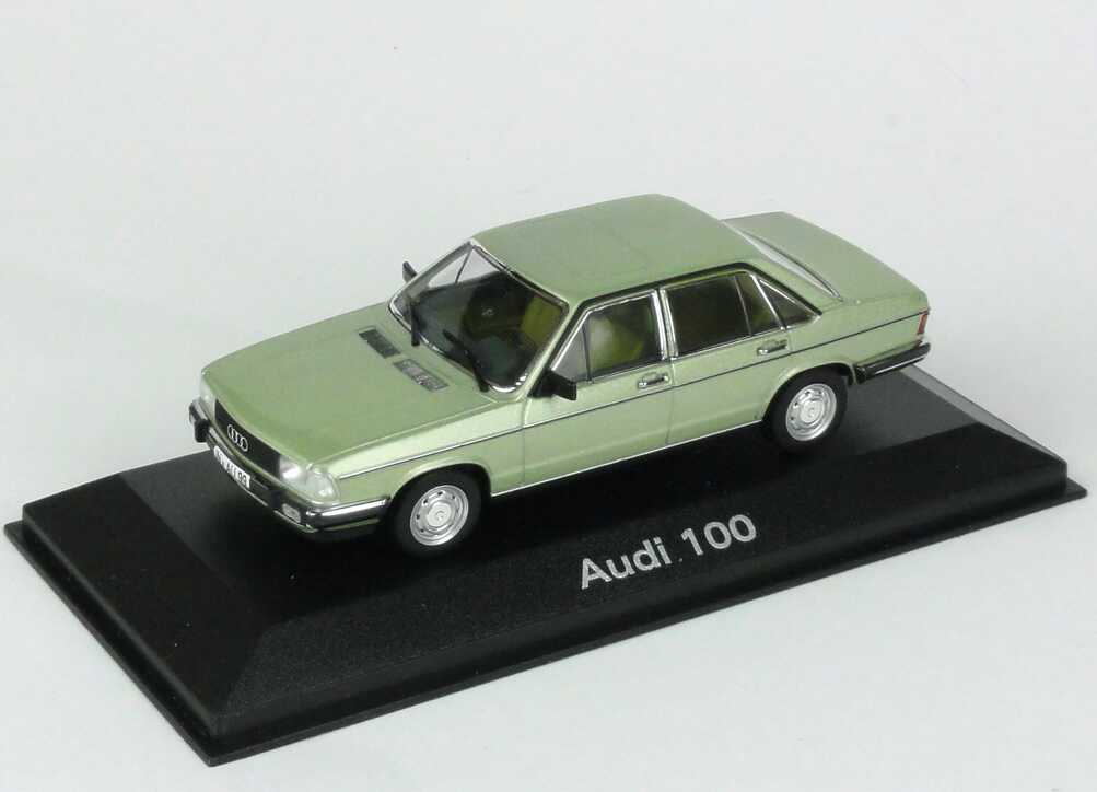 Foto 1:43 Audi 100 (C2) inarisilber-met. Werbemodell Minichamps 5030700303
