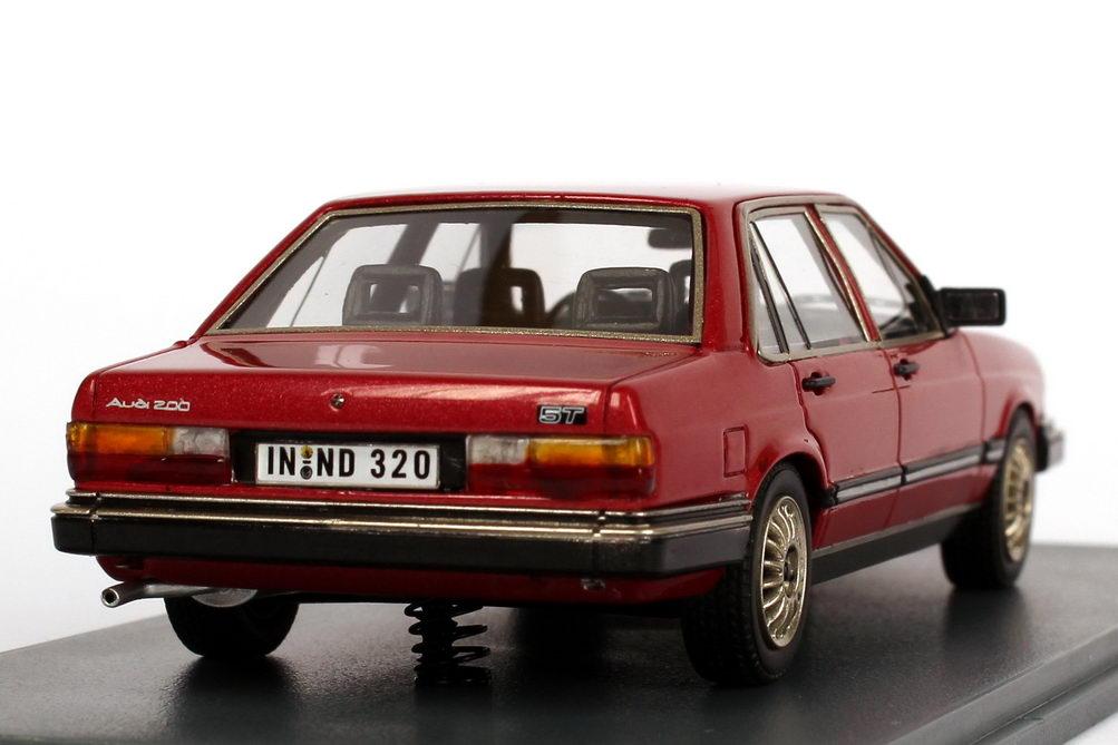 Foto 1:43 Audi 200 5T (Typ 43) rot-met. NEO Scale Models 44320