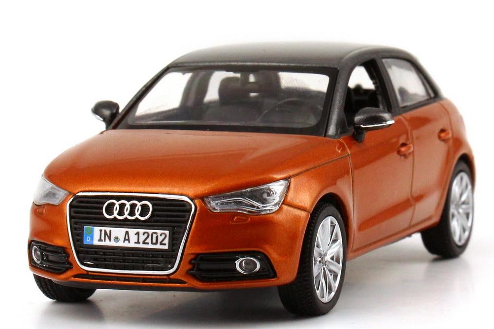 Foto 1:43 Audi A1 Sportback samoa-orange-met. / daytona-grau-met. Werbemodell Kyosho 5011201023