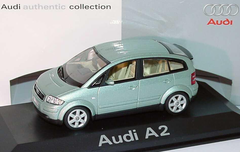 Foto 1:43 Audi A2 islandgrün-met. Werbemodell Minichamps 5010002043