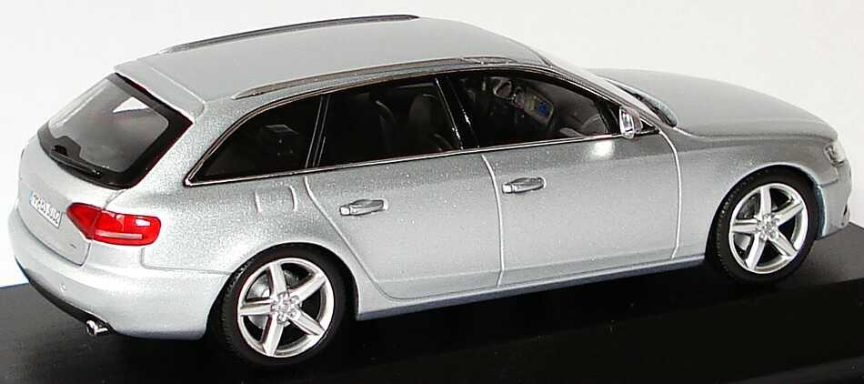 Foto 1:43 Audi A4 Avant (B8) eissilber-met. Werbemodell Minichamps 5010804223