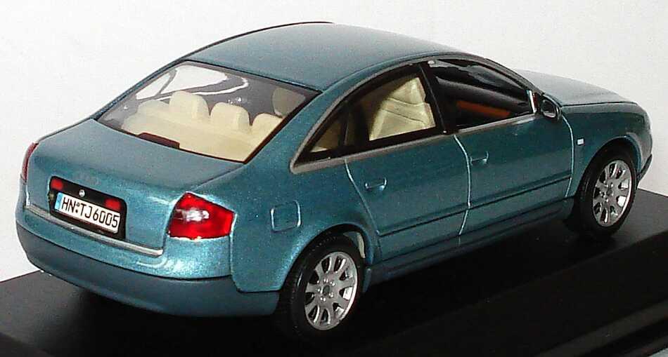 Foto 1:43 Audi A6 (C5) jaspisgrün-met. Werbemodell Minichamps 20000000047002