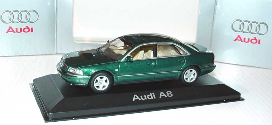 Foto 1:43 Audi A8 (D2 Facelift 2001) racinggrün-met. Werbemodell Minichamps 20000000615002