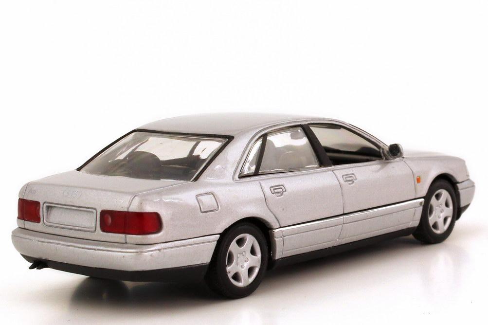 Foto 1:43 Audi A8 3.7 (D2) silber-met. Minichamps