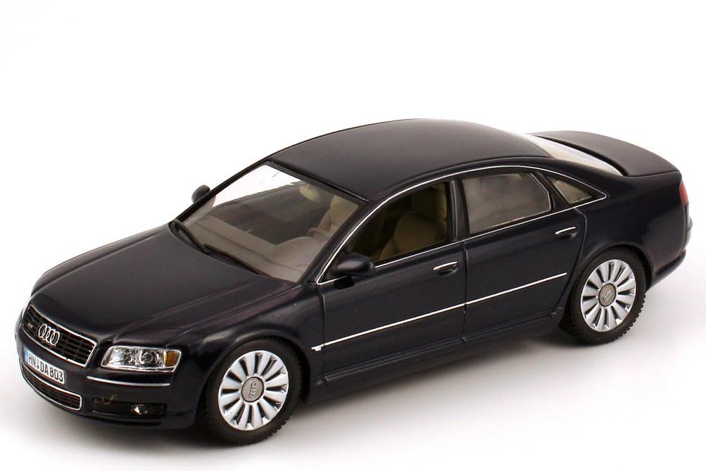 Foto 1:43 Audi A8 (D3) 2003 nachtblau-met. Werbemodell Minichamps 2.00.000.01386.003/501.03.081.33